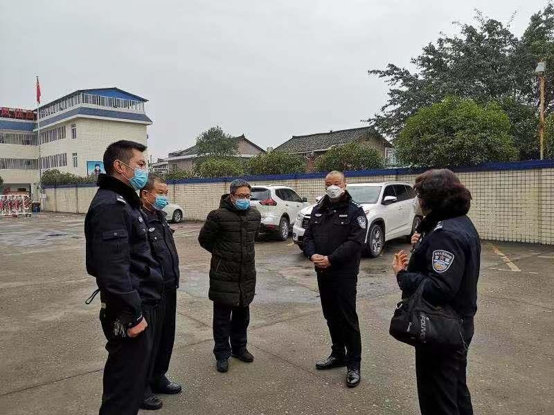 洪雅县副县长潘峰到看守所、拘留所检查指导疫情防控工作