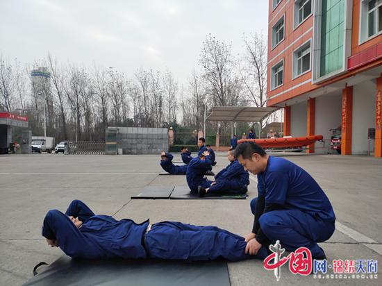 """射洪市消防救援大队:绷紧战""""疫""""弦 训练不松懈"""