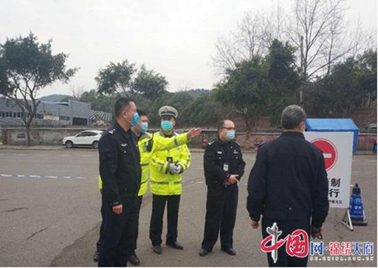 黄维军带队督导检查疫情防控期间道路交通管理工作