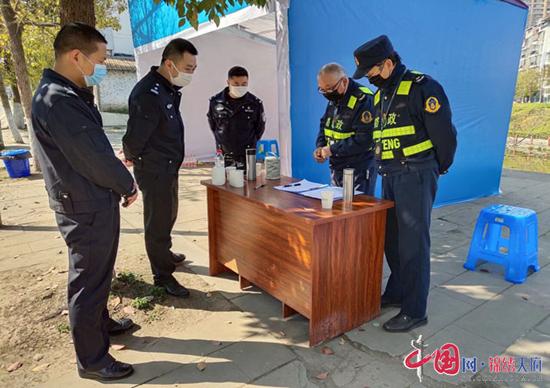 蓬溪县:冯旭带队督导检查疫情期间交通安全重点工作