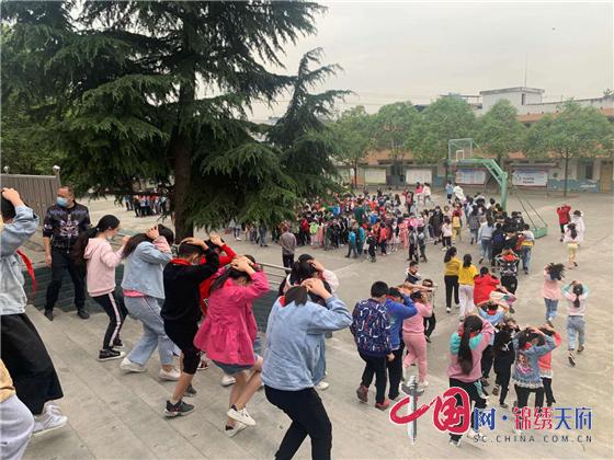 绵阳市安州区清泉小学举行防震减灾应急疏散演练