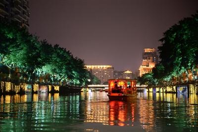 多位市政协委员联名提议:打造东湖夜间经济圈