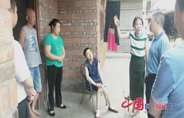 翠屏区人大常委会评议工作组到菜坝镇开展社会救助工作评议调查