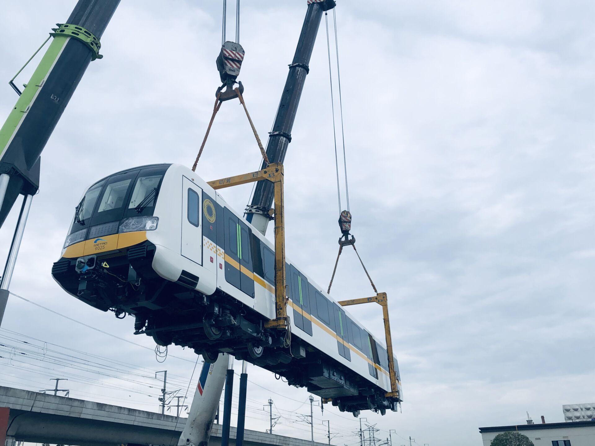 成都地铁9号线一期配属25列电客车全部到段 迈入全自动运行新时代