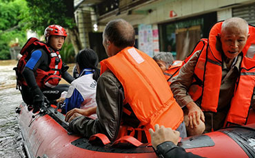 Sichuan fire department at the forefront of flood rescue