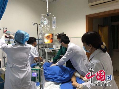 成都市第六人民医院多科联合大作战,成功抢救大出血患者