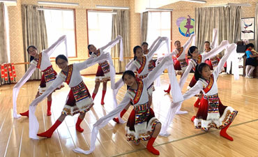 Maoxian Hexi primary school brings ethnic culture into the classroom
