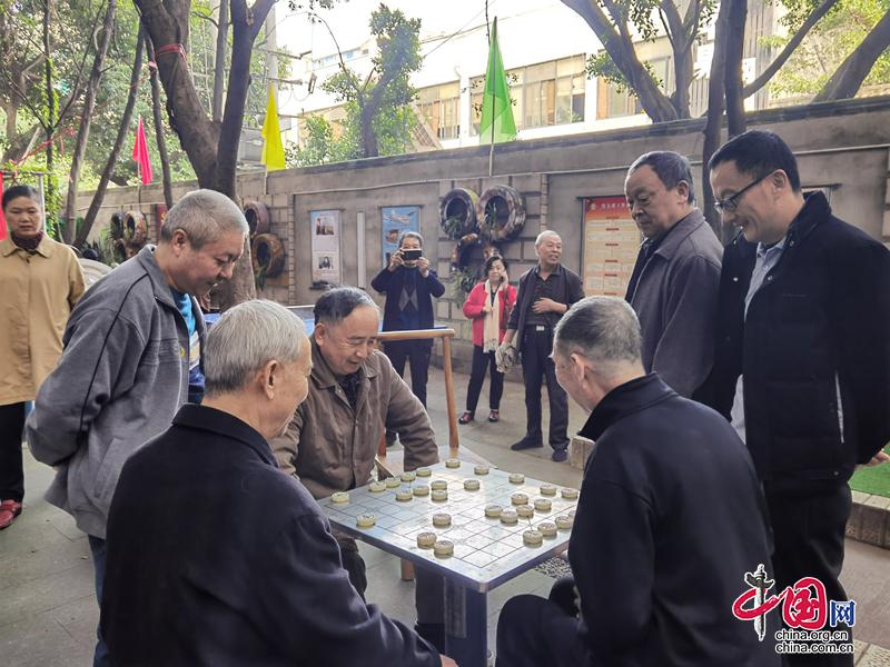 成都红牌楼街道龙爪社区举办老年人趣味运动会
