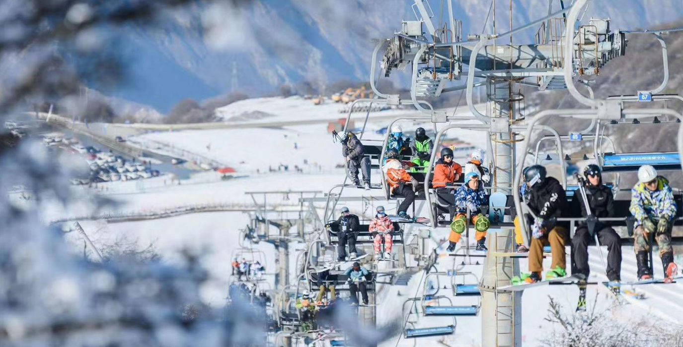 Taiziling Ski Resort in Jiuding Mountain Maoxian County opens to tourists