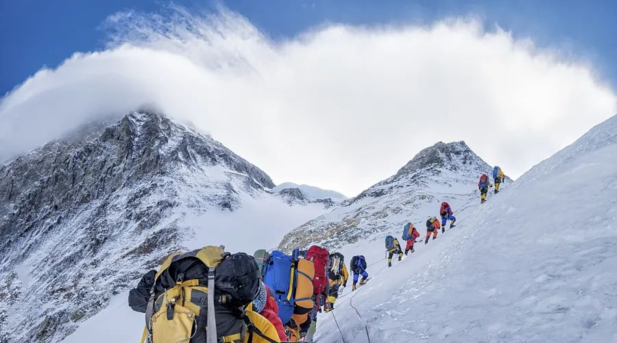 What does the new joint measurement of Mt.Qomolangma mean for China-Nepal relations?