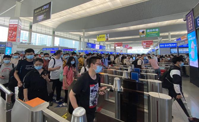 历史最高客流!成都车站今日发送旅客46万人次
