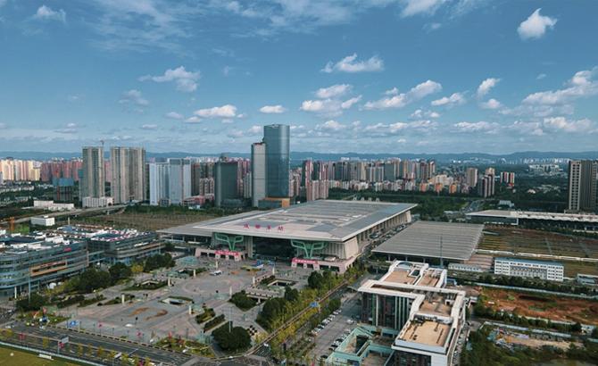 成都东站10年之变:日均发客量增长50倍 开站之初仅开行8对列车,如今最高峰开行列车282对