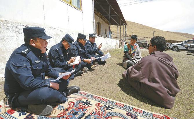 四川海拔最高的派出所里,17名民警辅警在坚守
