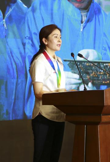 潘玉华在自贡宣讲