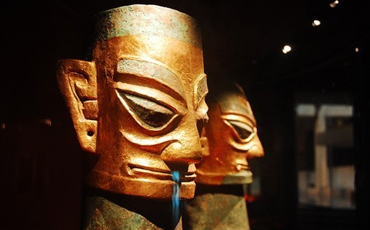 What impresses expats about China's Sanxingdui Ruins?