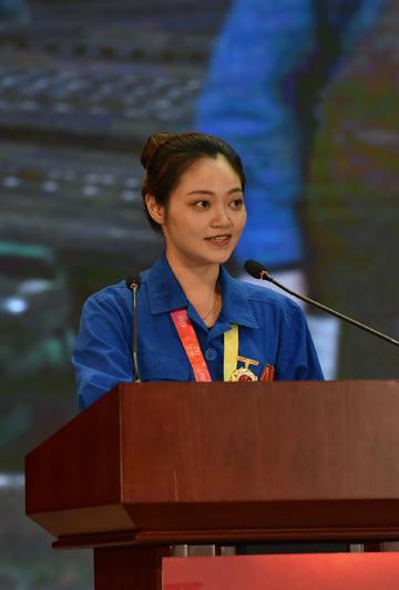 唐成凤在四川嘉阳集团宣讲