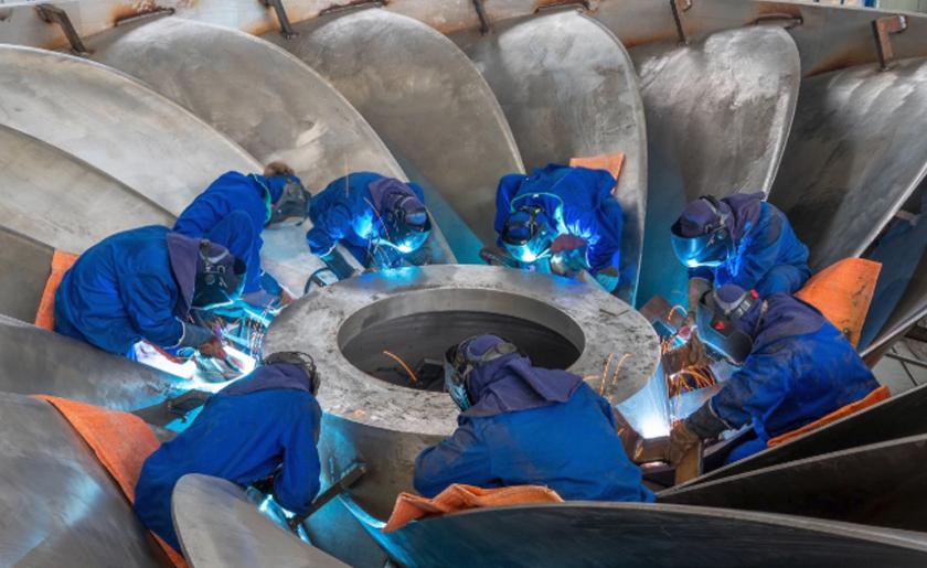 """白鹤滩水电站16个""""心脏""""转轮加工制造全部完成"""