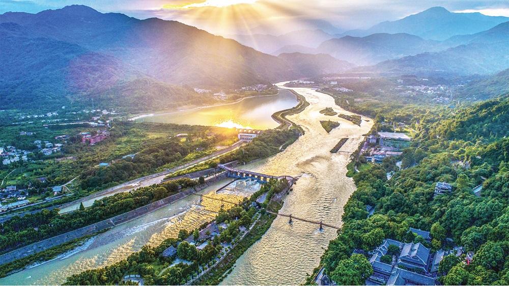 都江堰,一座让你充满惊喜的三遗之城