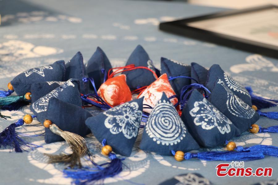 Traditional art Batik inherited in Sichuan