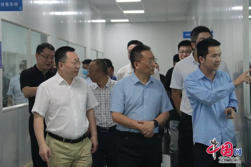 四川省统计局党组成员、副局长陈智一行赴德阳调研