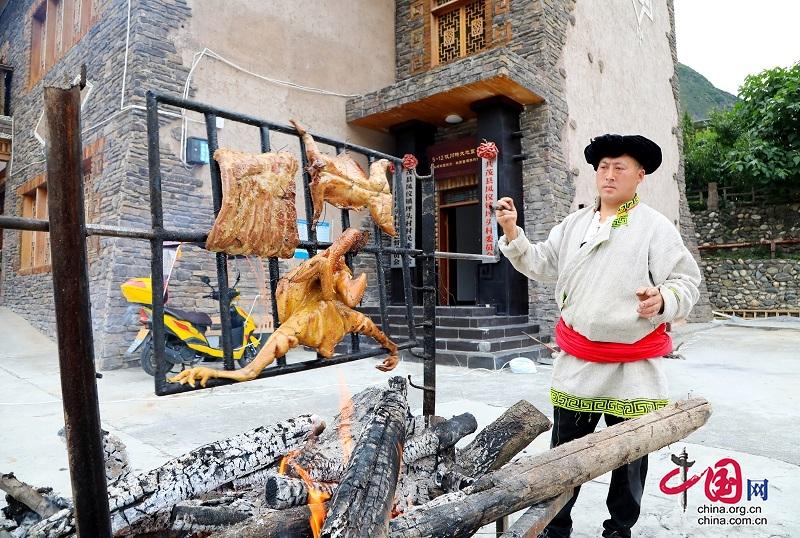 茂县坪头村举办第一届乡土特色美食展示活动