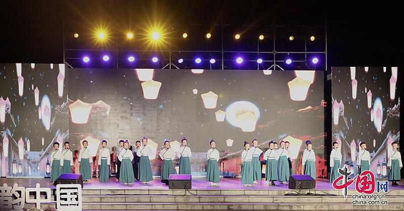 诗韵飘香情满中秋 自贡市沿滩举行第四届中秋诗会