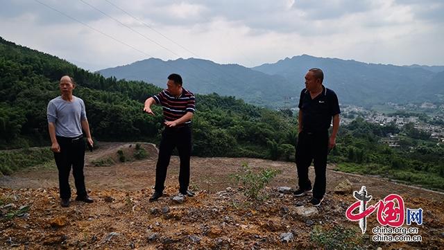 宜宾市应急管理局巡查江安县露天矿山安全环保工作