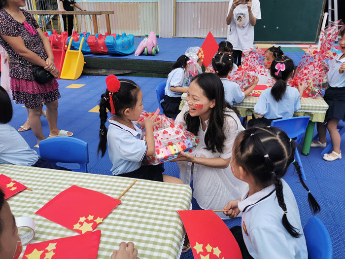 """""""童心向党 欢度国庆"""" 蓬溪县民政局举办2021年儿童关爱保护系列活动"""