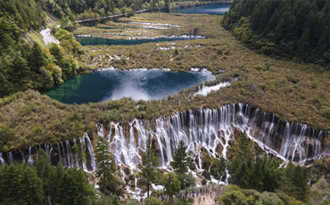 Jiuzhaigou valley senic area fully reopens after earthquake