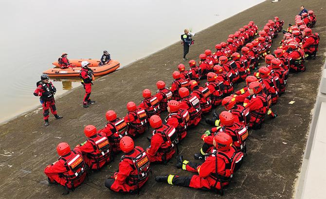 为期半个月,四川森林消防开启水域救援技术培训