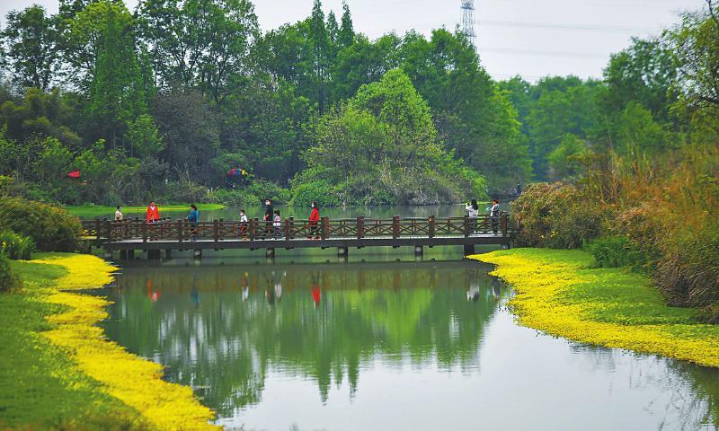 清明假期 四川接待游客超300万人次 探亲游、近郊游成为出行首选
